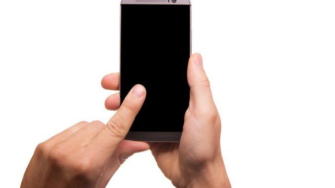 Lenti a contatto e foto, così ti sblocco il Samsung Galaxy S8